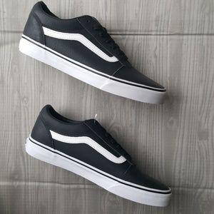 890b3594111c4d Vans Shoes - NEW Vans The Classic Tumble Old Skool size 9.5